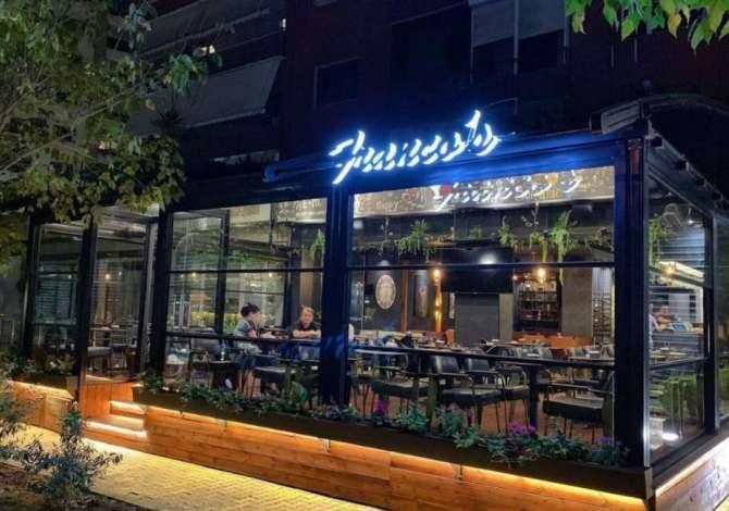 turn i dyte Franco's Lounge Bar kerkon te punesoje Kamarier dhe Ndihmese Banakiere