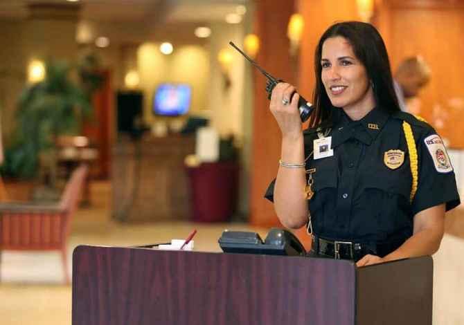 pune siguri 🔈 Kerkohen vajza per Security tek Regency Casino.