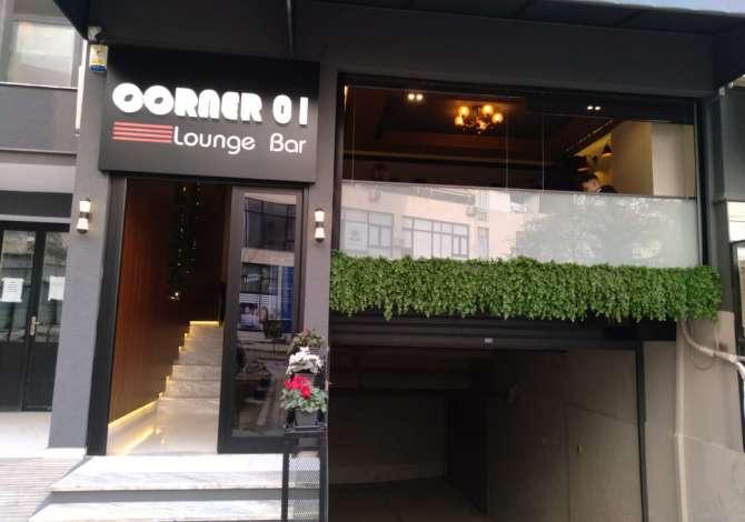 Corner 01 Lounge Bar kerkon te zgjeroje staf